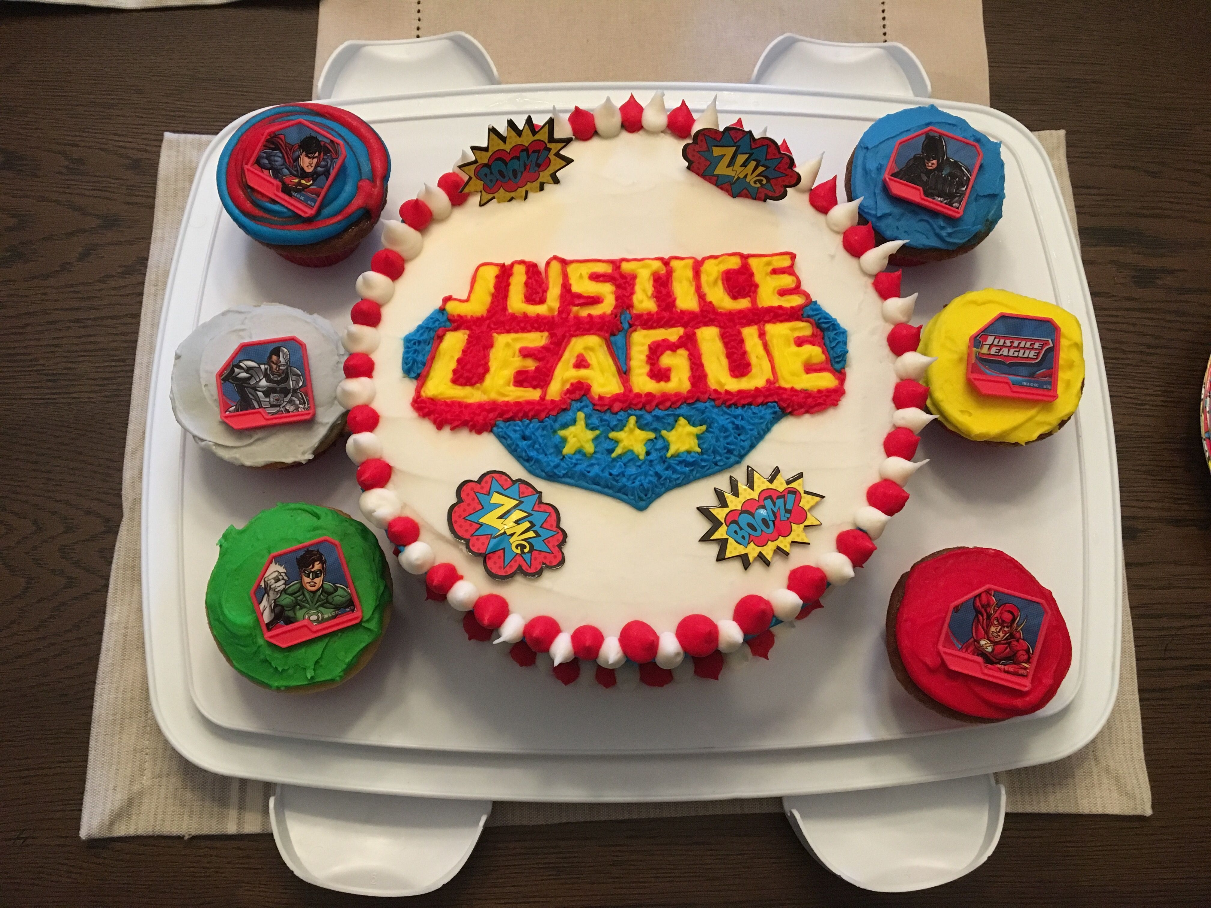 Justice League super hero birthday cake Happy 7th birthday Eric ...