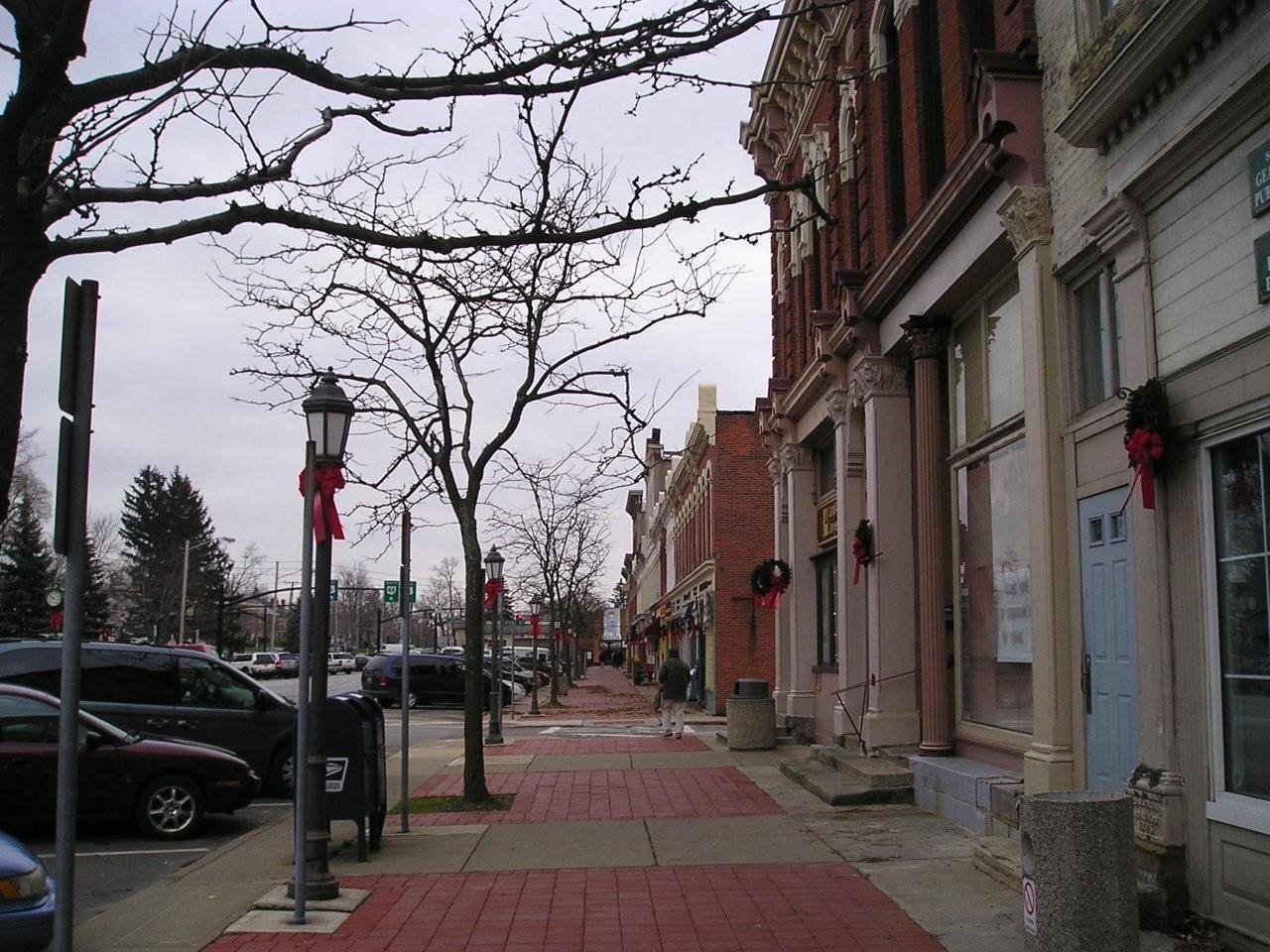 Chardon square places to go ohio to go