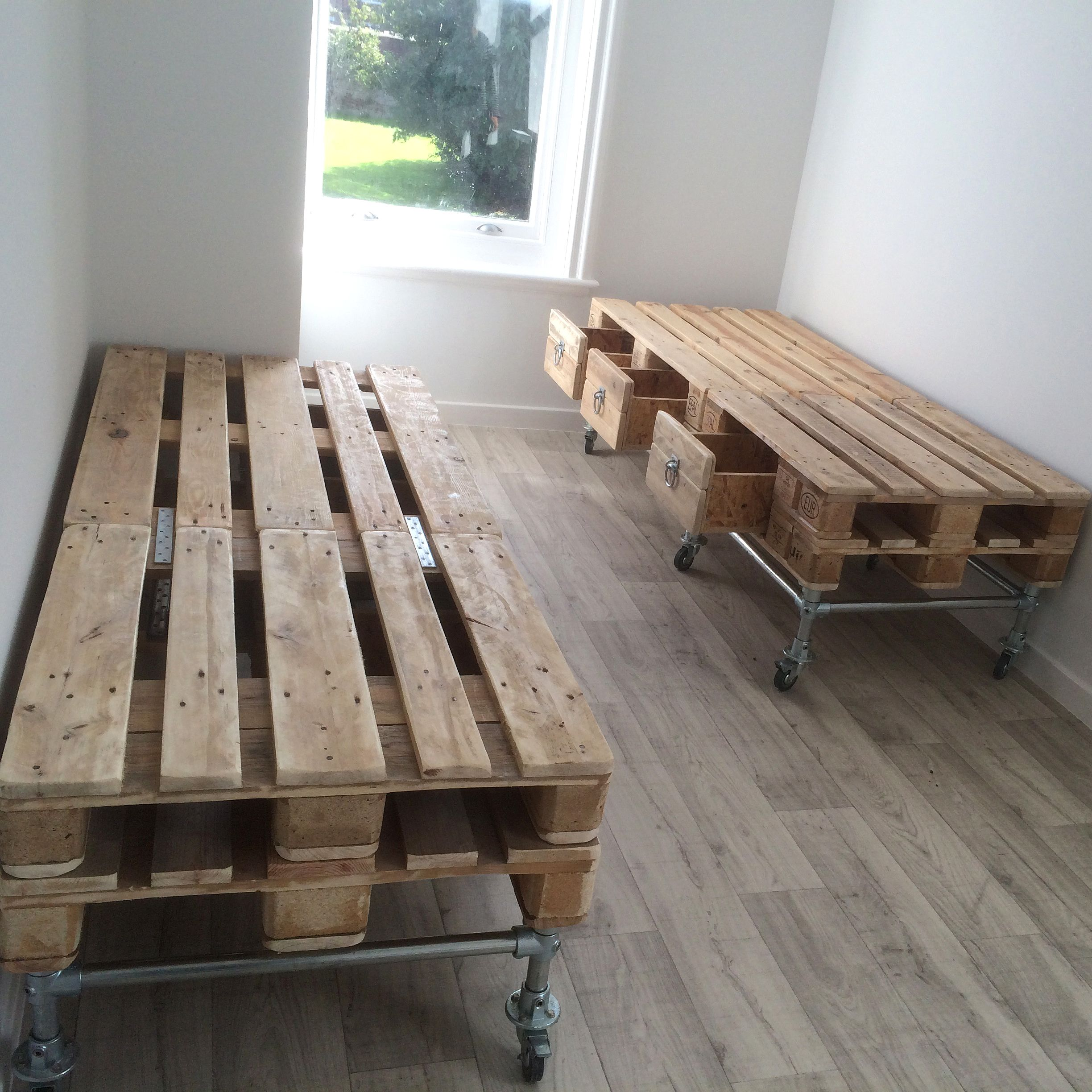 Pallet and scaffold single bed with storage below - Industrial style bedroom furniture ...