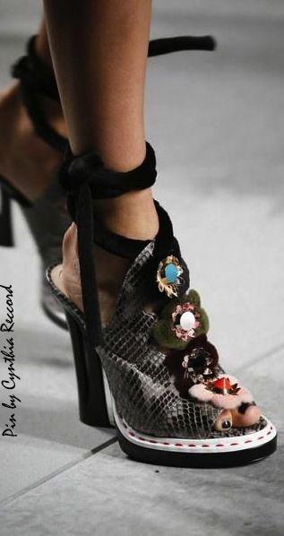 Ready Spring En Show 2018 To Shoes Fashion Wear 2016 Fendi • 1FxZwqEgw