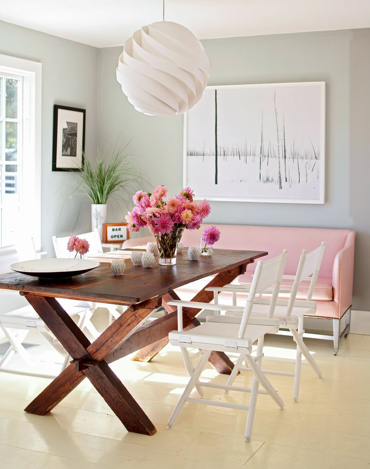 How To Choose Colors That Beautifully Pair With Wood Furniture And Floors Rustic Dining Room Furniture Arrangement Decor