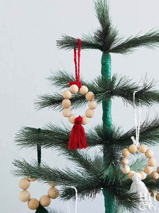Adorable Diy Wood Bead Ornament Beaded Ornaments Diy Farmhouse