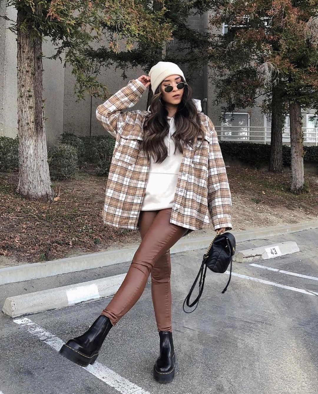 Classy Wear Ideas For Girls Fashion 2021 Tiktok Inspiration Spring In 2021 Fashion Korean Outfits Classy Wear