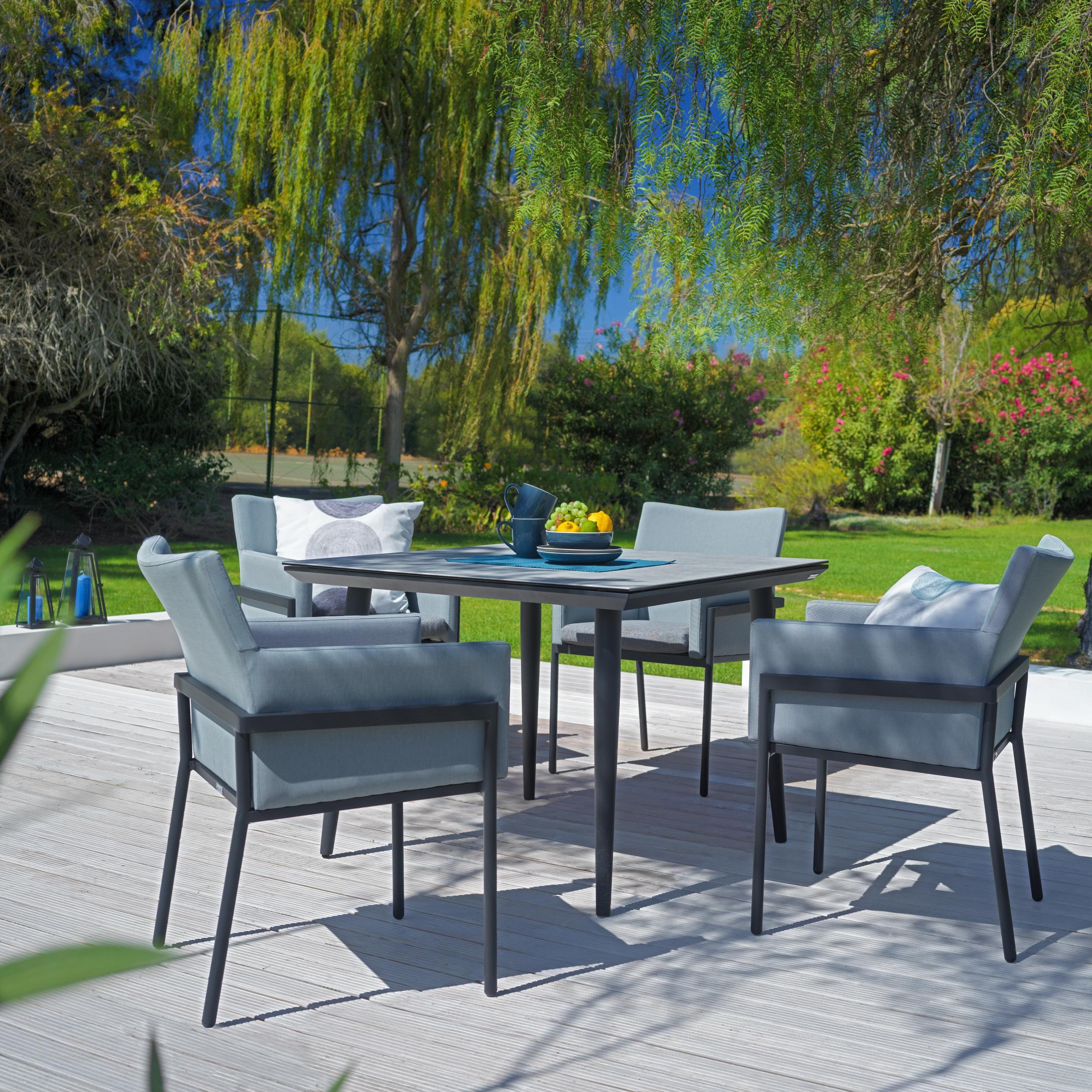 Moderne Helle Gartenmobel Sitzgruppe Mit Stuhlen Und Tisch Gartenmobel Gartentisch Set Aussenmobel