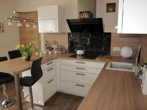 Photo of Kleine Küche zum Wohlfühlen – Fertiggestellte Küchen – Bauformat Cube 130