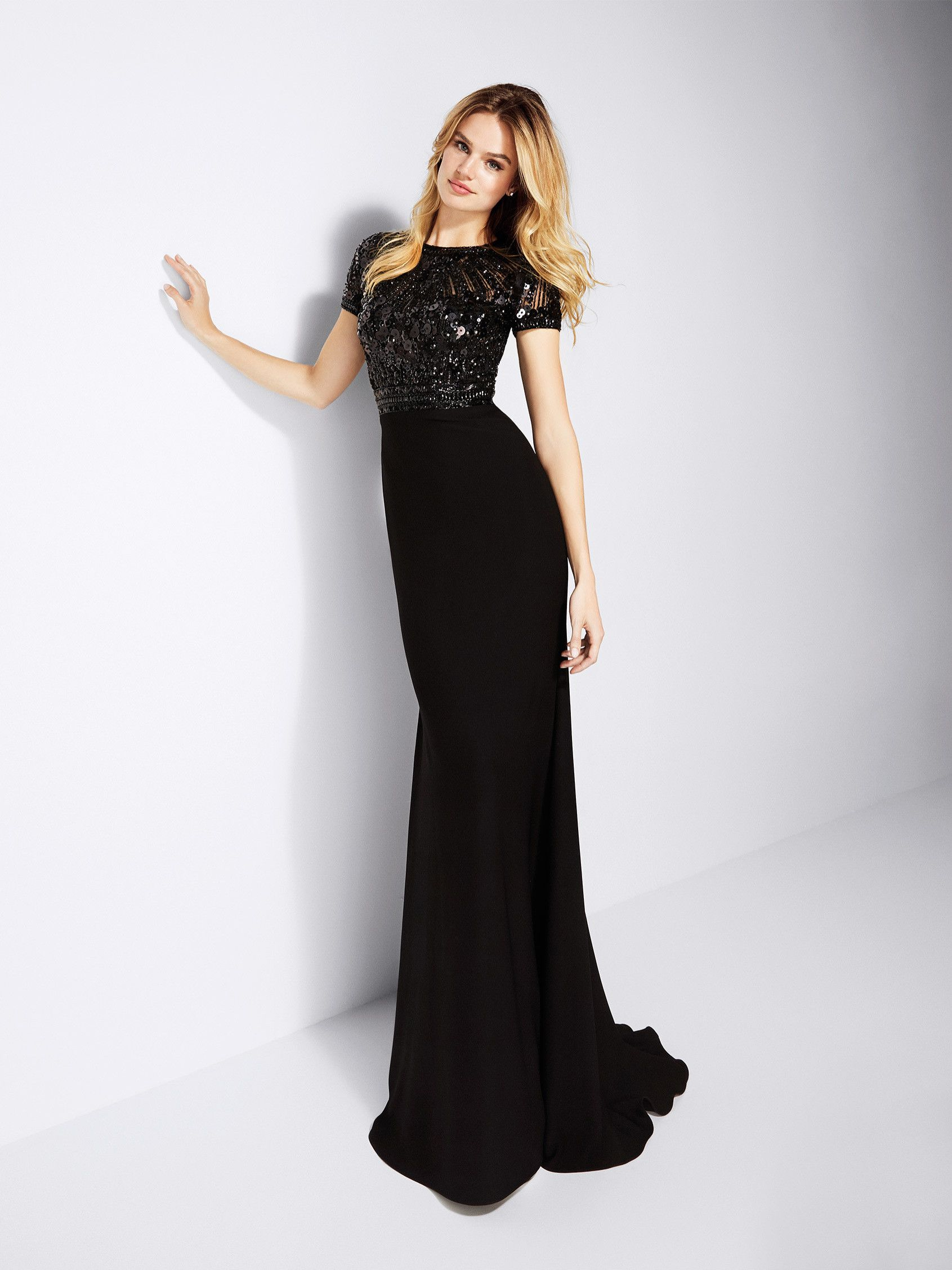 b3866d057 Vestido de noche negro femenino - Colección fiesta 2018 Pronovias ...