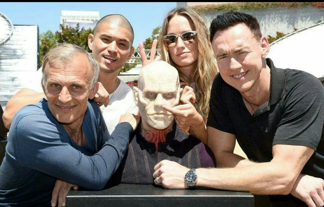 The Strain cast (With images) Tv horror, Reality tv, Strains