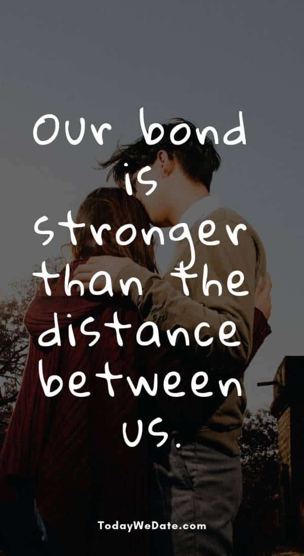33 Romantic Text Messages And Memes To Send Your Long Distance Sweetheart Todaywe Distance Love Quotes Long Distance Love Quotes Distance Relationship Quotes