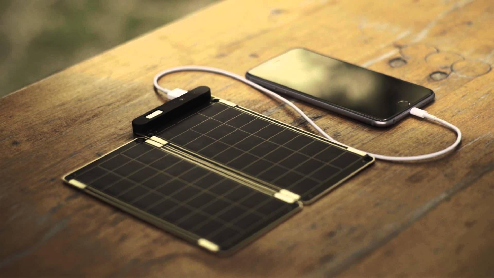 solar paper uno de los cargadores solares mas finos y ligeros del