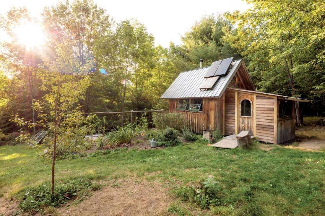 6 Maine Tiny Homes With Lots Of Character In 2020 Tiny House Tiny House Design Beach House Lighting