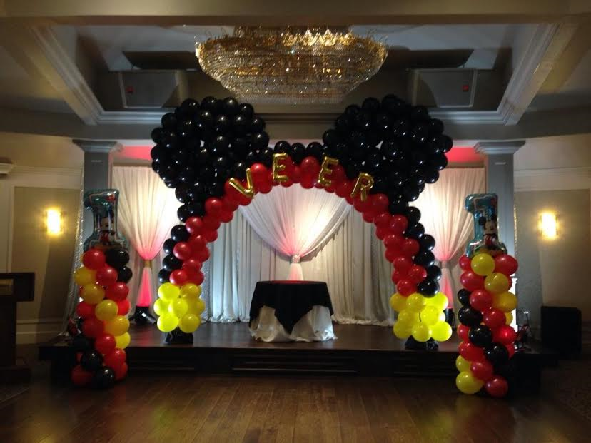A Mickey Mouse Balloon Decoration Set Up We Did For First Birthday At Recent Event