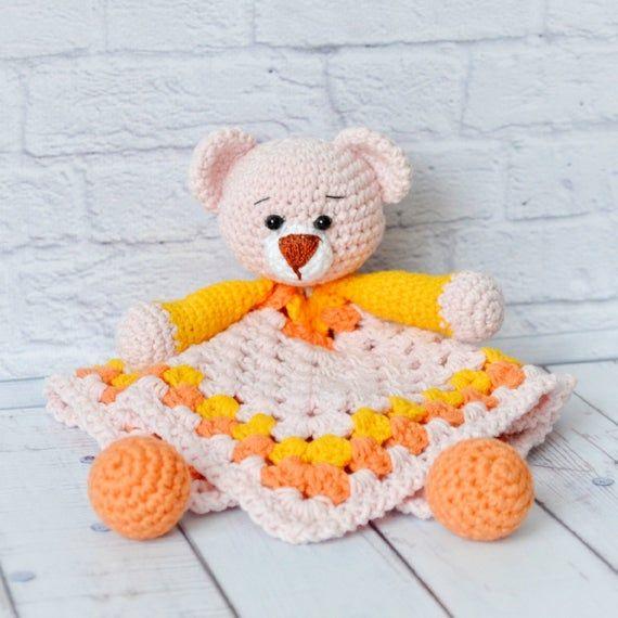 Crochet Security Blanket - Snuggle Blanket - Baby Lovey Blanket - Baby Comforter - Toy for Newborn - #crochetsecurityblanket