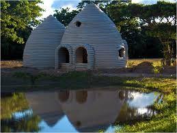 Resultado De Imagen De Como Hacer Una Casa Subterranea Con Sacos De Arena Earth Homes Natural Building Earth Bag Homes
