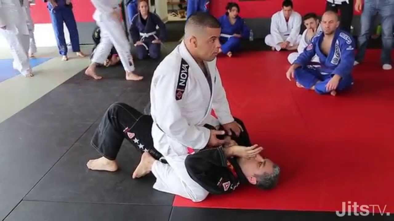 How To Finish An Armbar From Mount Wagnney Fabiano Jits Magazine Women Boxing Jiu Jitsu Judo