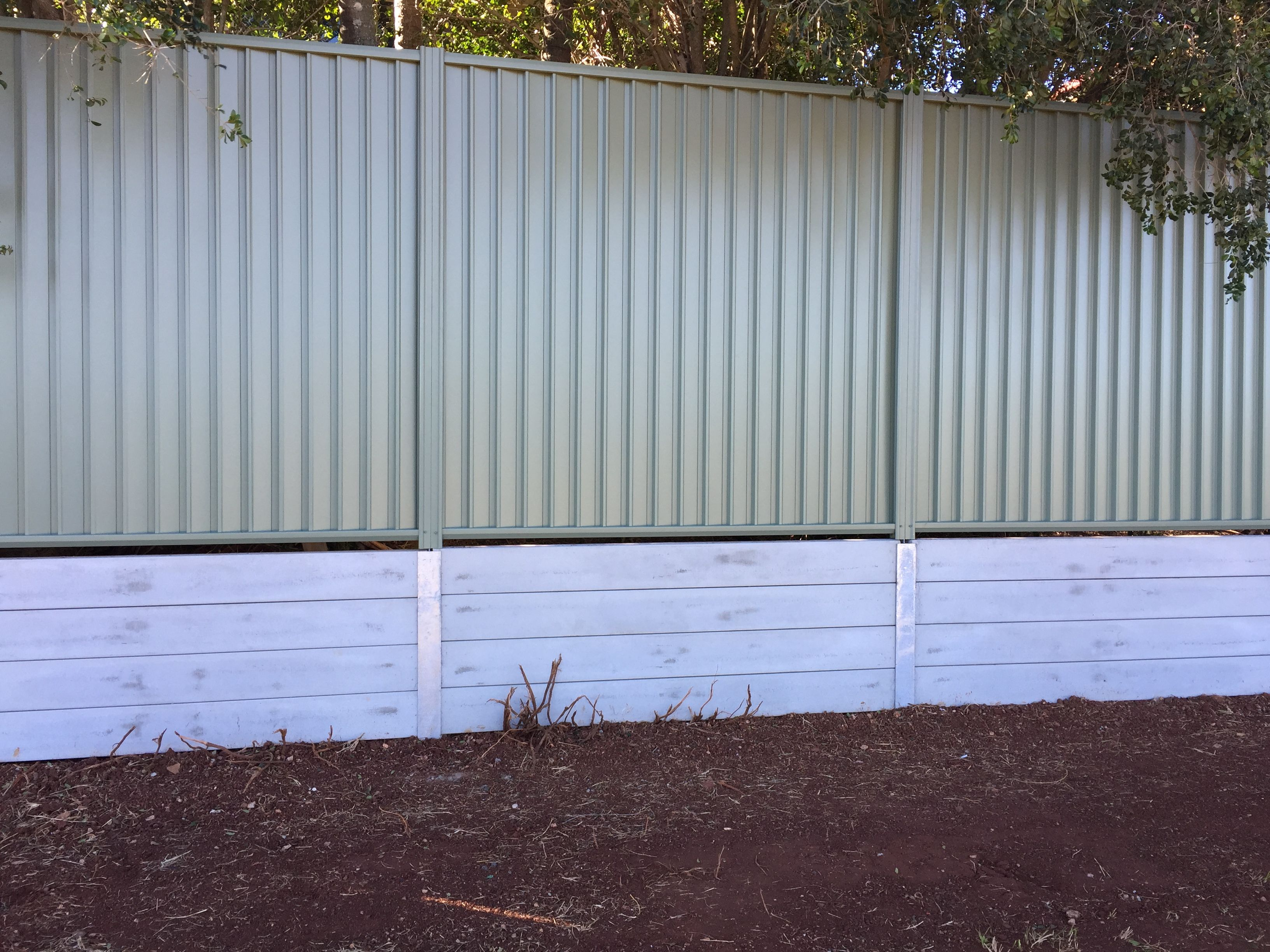 Recently Completed Northbond Colourbond Fencing And Concrete Sleeper Retaining Wall Concrete Sleeper Retaining Walls Concrete Sleepers Concrete Retaining Walls