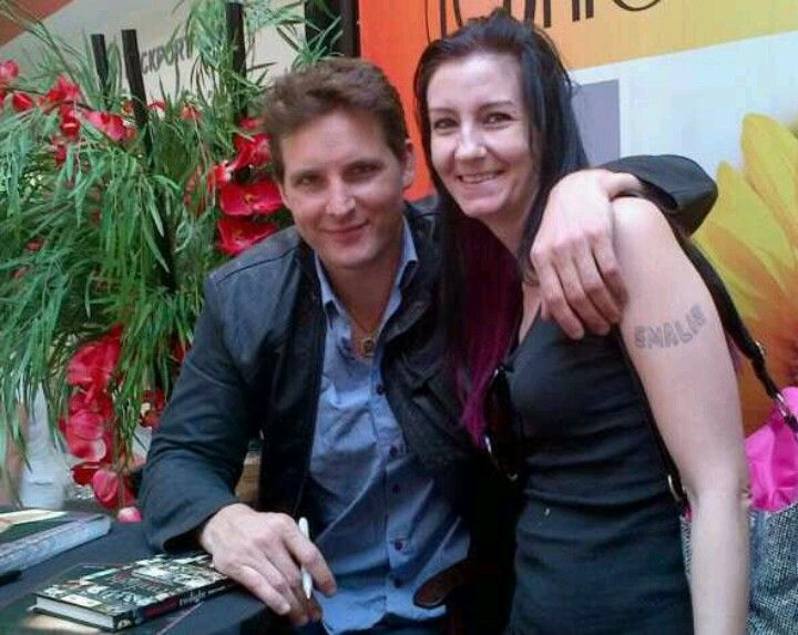 Peter Facinelli and I...it was very hot that day..when I got there I looked good, three hours of standing in hot sun with a few hundred ppl & I look lie this too meet him..by atleast I met him!! #bestday #nicestguyever