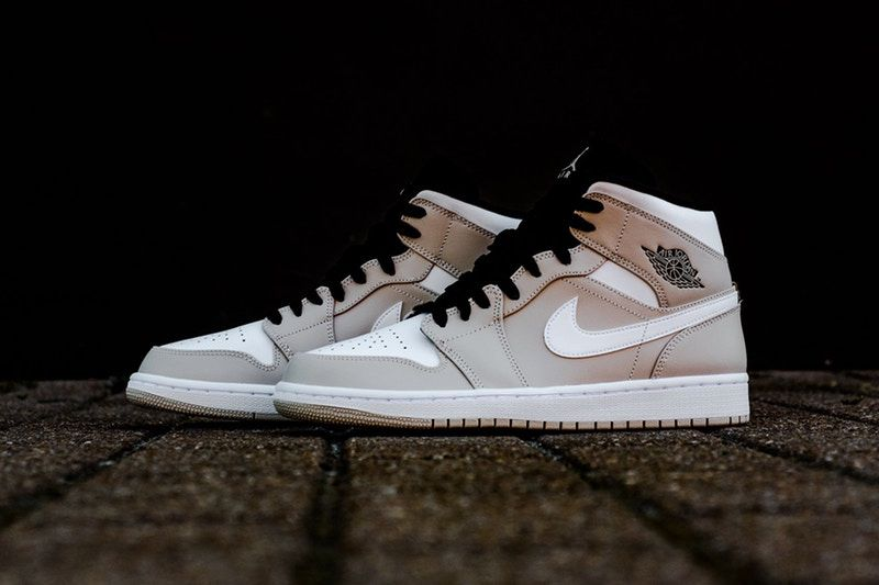 a98904b23f0635 The Air Jordan 1 Gets a