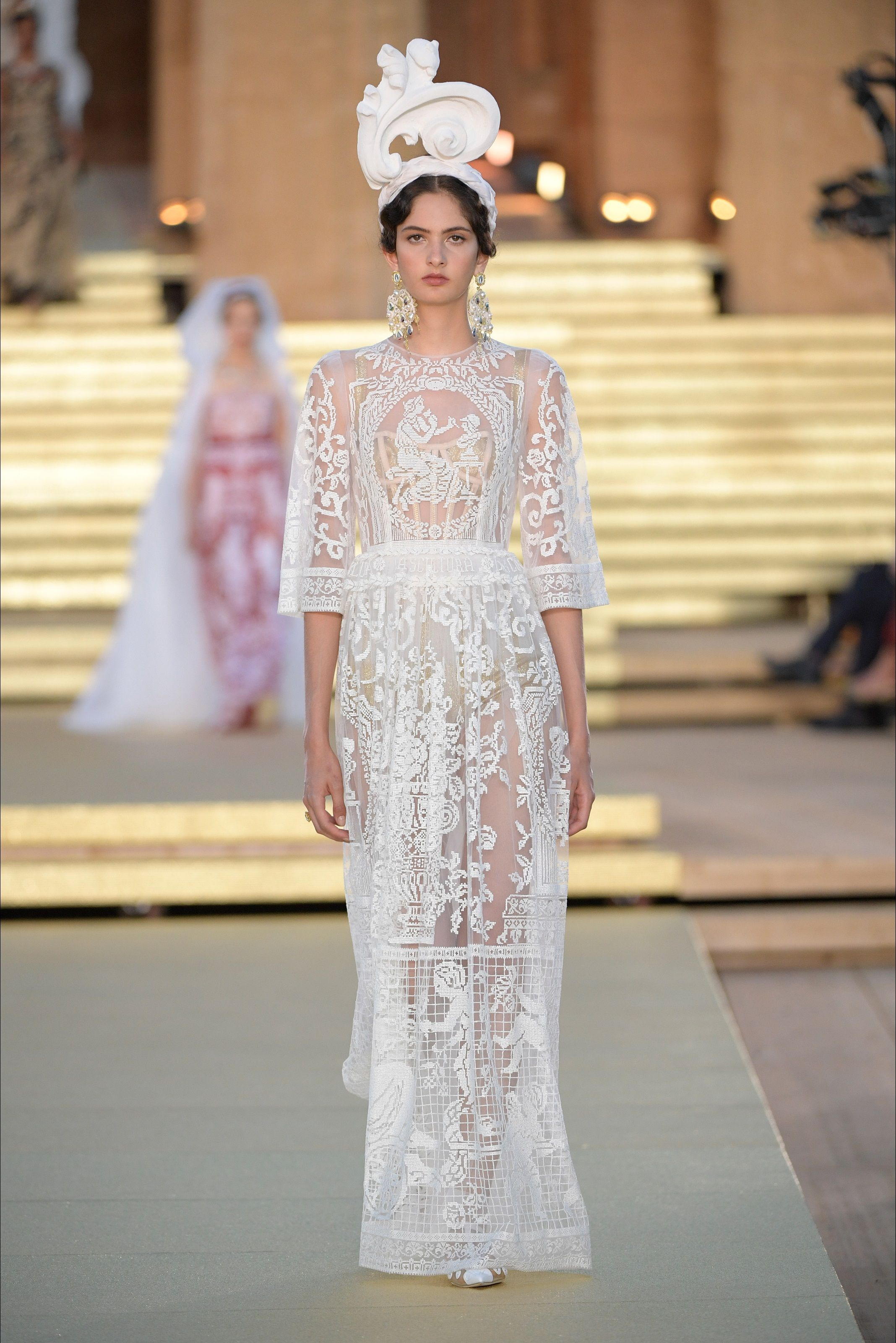 Sfilata Dolce Gabbana Palermo Alta Moda Autunno Inverno 2019 20 Vogue Moda Autunno Inverno Moda Autunno Haute Couture