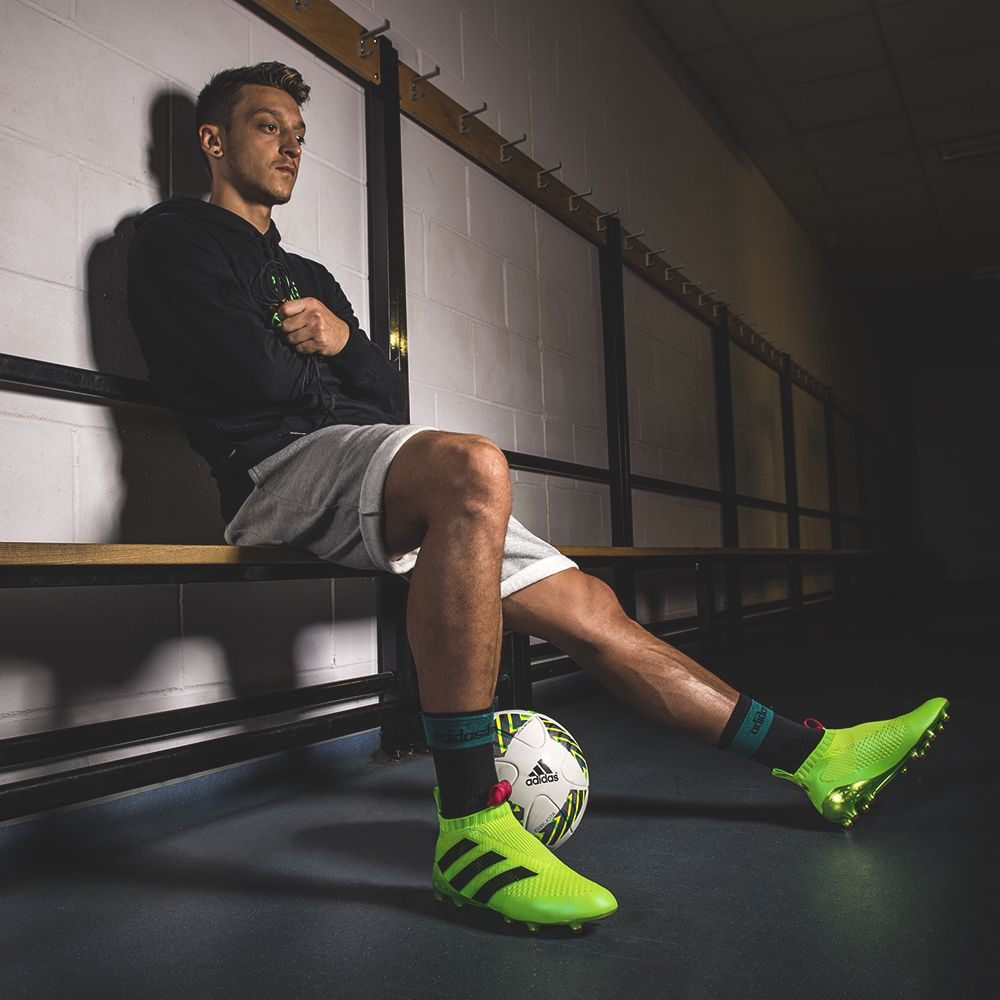half off c9bb8 7daea Mesut Ozil switches things up. The laceless adidas Ace 16+ ...