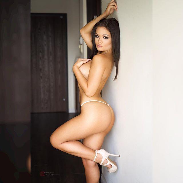 Sachimart women sexy arm fajas colombianas shapewear with straps hot slimming wear belt crothless body corset shaper