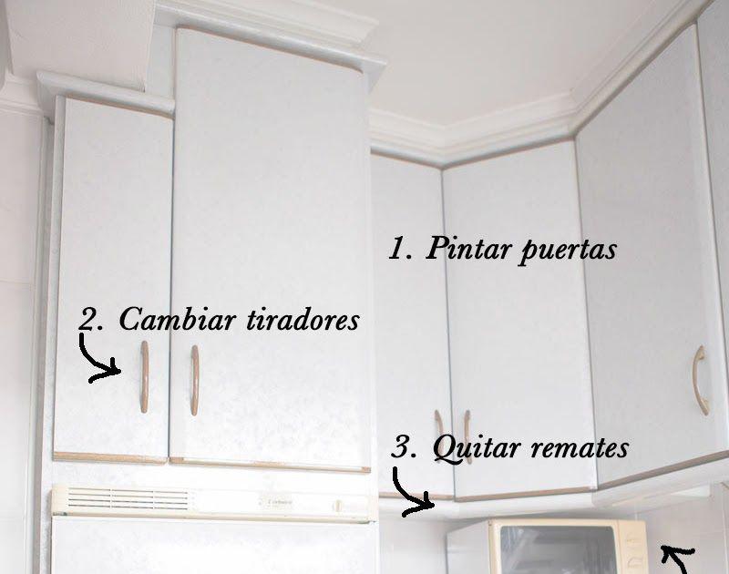 Reforma Sin Obras En La Cocina Y Como Actualizar Los Muebles Forrar Los Armarios De La Cocina Gabinetes De Cocina Blancos Forrar Armarios Encimeras De Cocina
