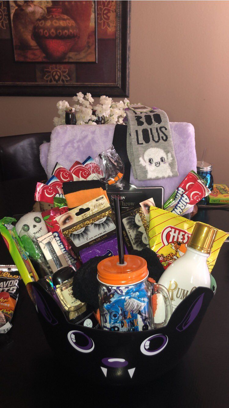 Scary halloween gift baskets
