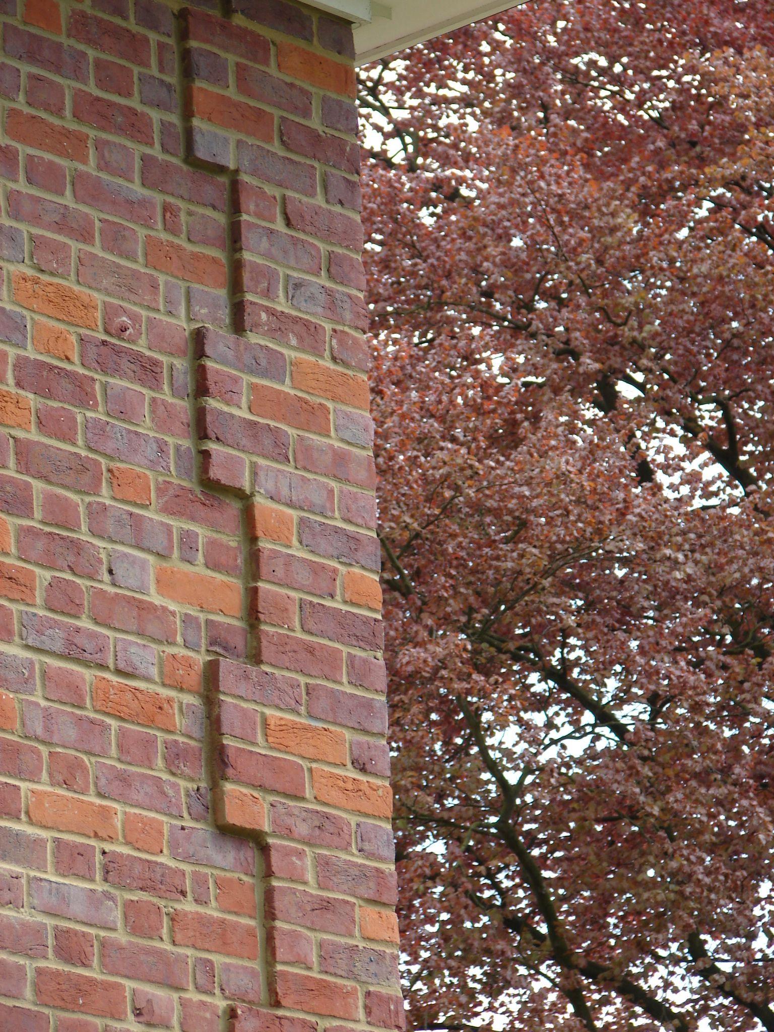 Corner detail medium dark bricks quoins pinterest for Decorative quoins