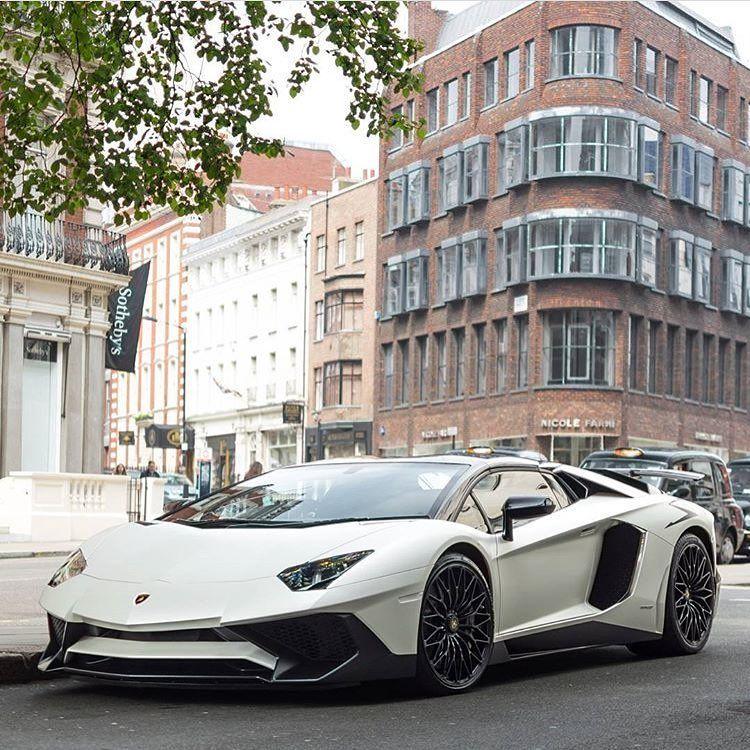 Lamborghini Aventador Sv Natuur