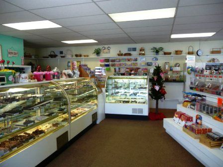 Ice Cream and Candy Shoppe for sale in Wallingford CT - A Sweet Deal!  This is a great opportunity to own an established sweet shoppe offering candy, ice cream, gift baskets, gift items and more.  Business only for sale, which includes all equipment, supplies and great exposure within the community.  If you are creative & love to put a smile on the face of others, this is the business for you.  $64,900 Wallingford CT