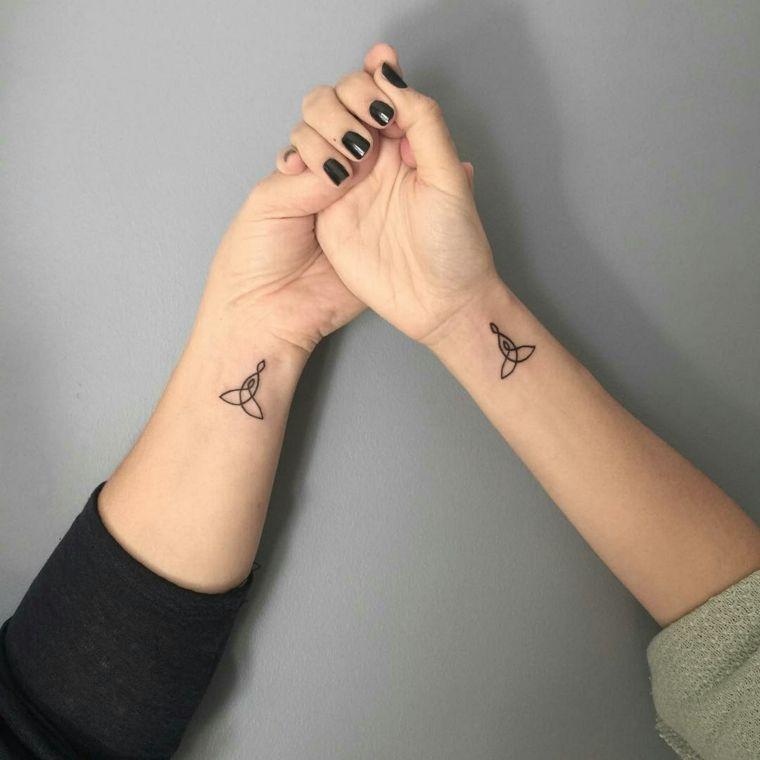 Tatuaggi piccoli particolari, tattoo sister con un disegno ...
