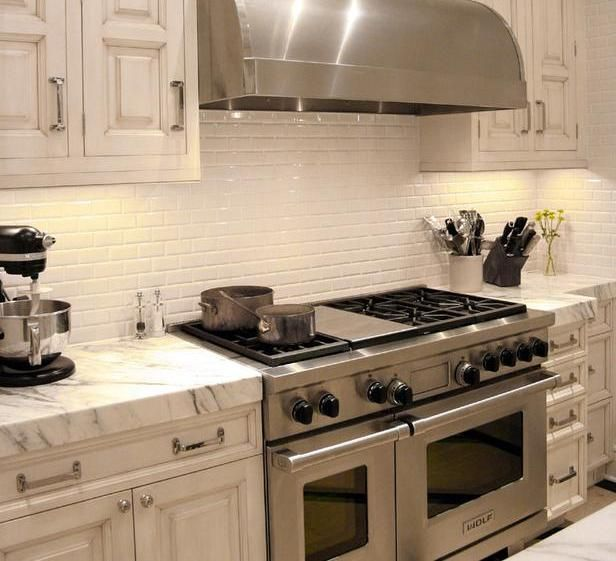 22 White Kitchens That Rock: Image Of: Travertine Backsplash White Cabinets