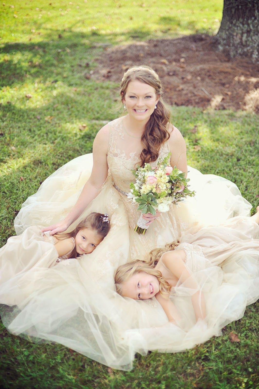 Rustic Wedding, Wedding Photo ideas, Vintage Wedding Dress, Olivia ...