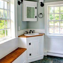 Hoek Wasbak En Kas Small Rustic Bathrooms Traditional Bathroom Corner Sink Bathroom