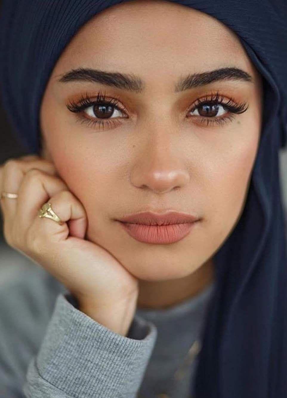 Light makeup in pink  Natural makeup looks, Natural makeup, Daily