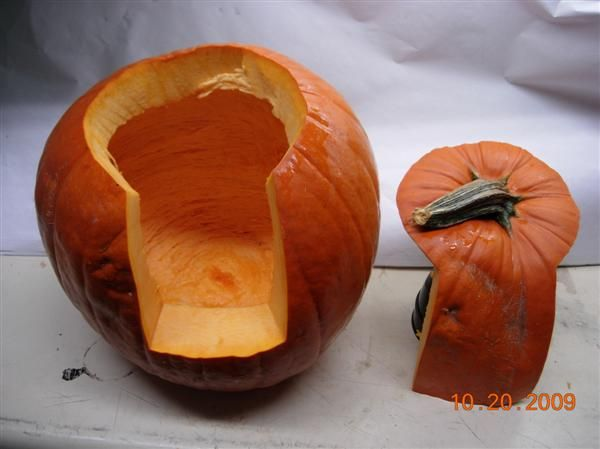 A better way to slice a pumpkin. Easier to scoop out seeds and you won't burn yourself trying to get a light in there!  Genius!