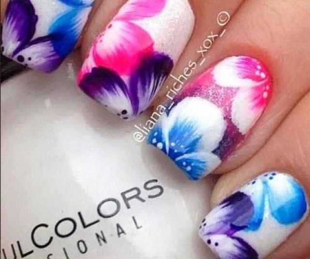 Pin by Samantha Baird on Nails | Pinterest | Feather nail art ...