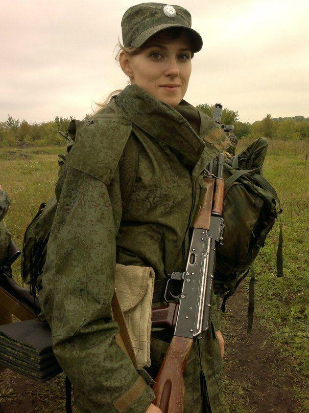 (1) Newsfeed | Minds | Military girl, Military women, Girl