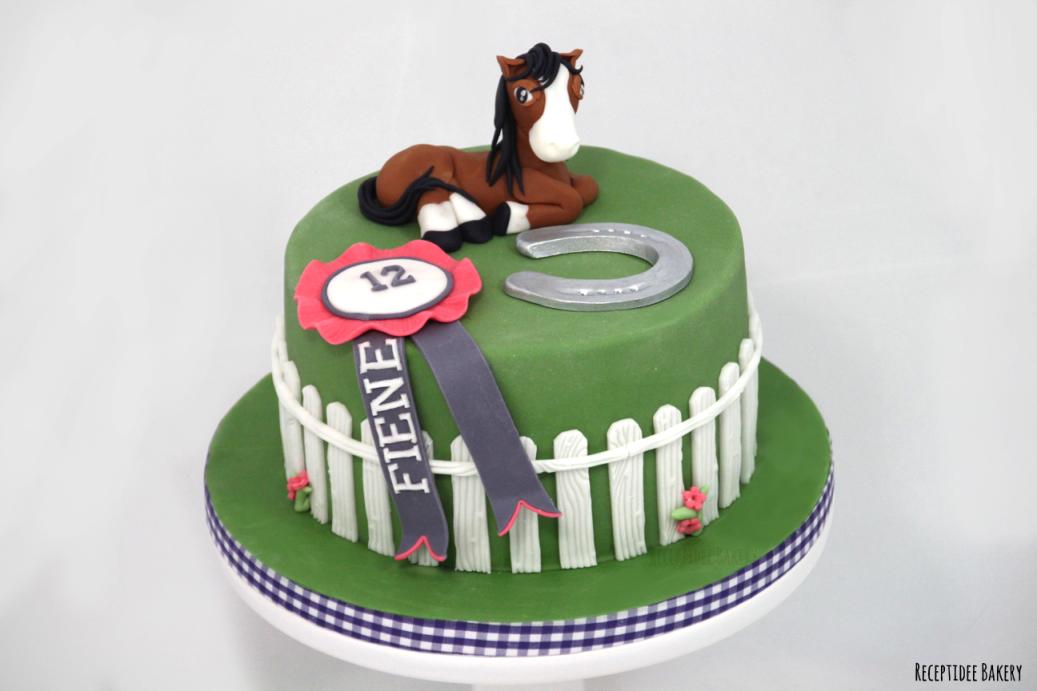 gefeliciteerd taart nl Paarden taart voor Fiene Gefeliciteerd met je verjaardag! Http  gefeliciteerd taart nl