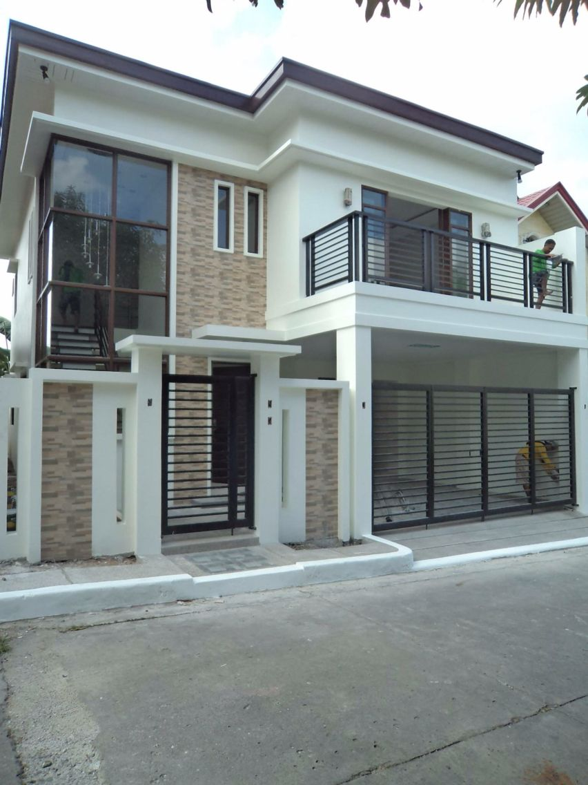 Two-storey garage: project, construction, gates