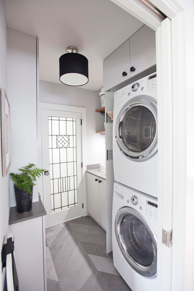 Stylish black-and-white laundry room  #smallspaces