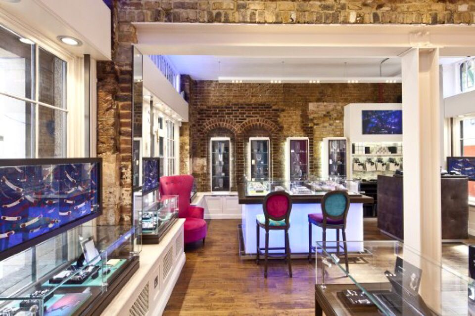 "Links of #London at the Covent Garden. If you love jewelry, you'll love this place. Add it to your ""to visit"" list"
