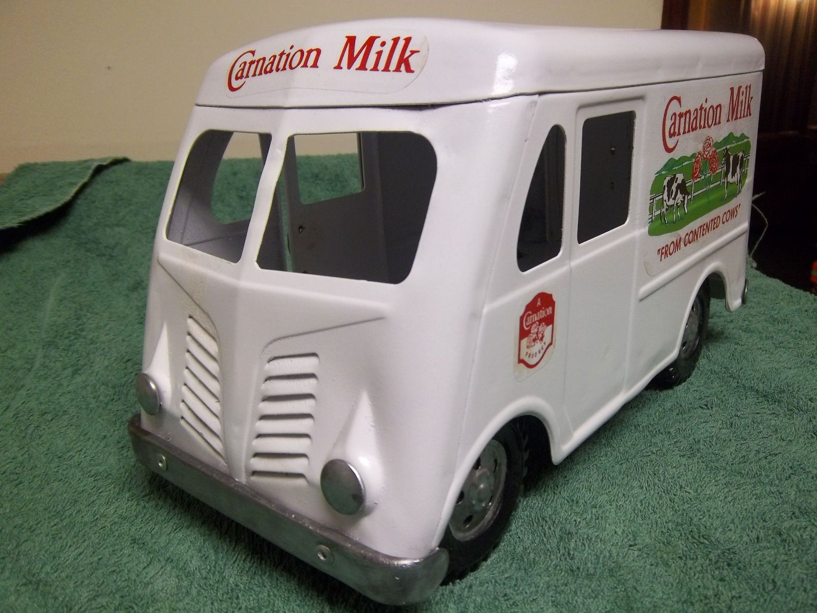1955 TONKA CARNATION MILK DELIVERY VAN in Toys Hobbies Diecast