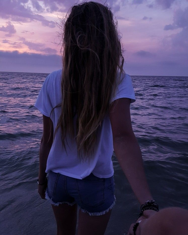 Take me to the sunset, down by the ocean shore💞