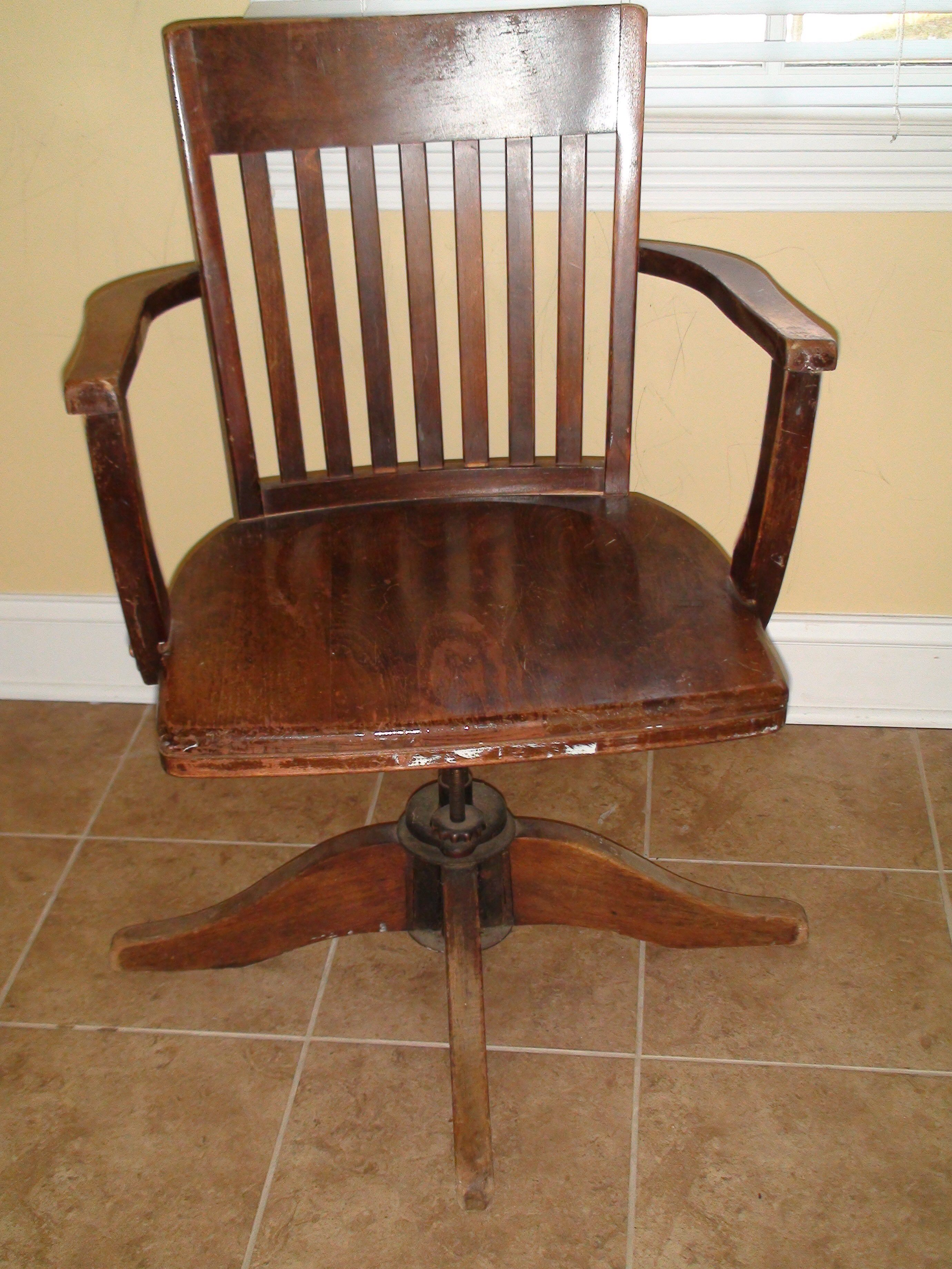 Might be ( Antique desk chair, Wooden desk