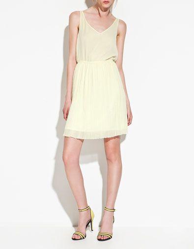 yellow + yellow, love it at Zara