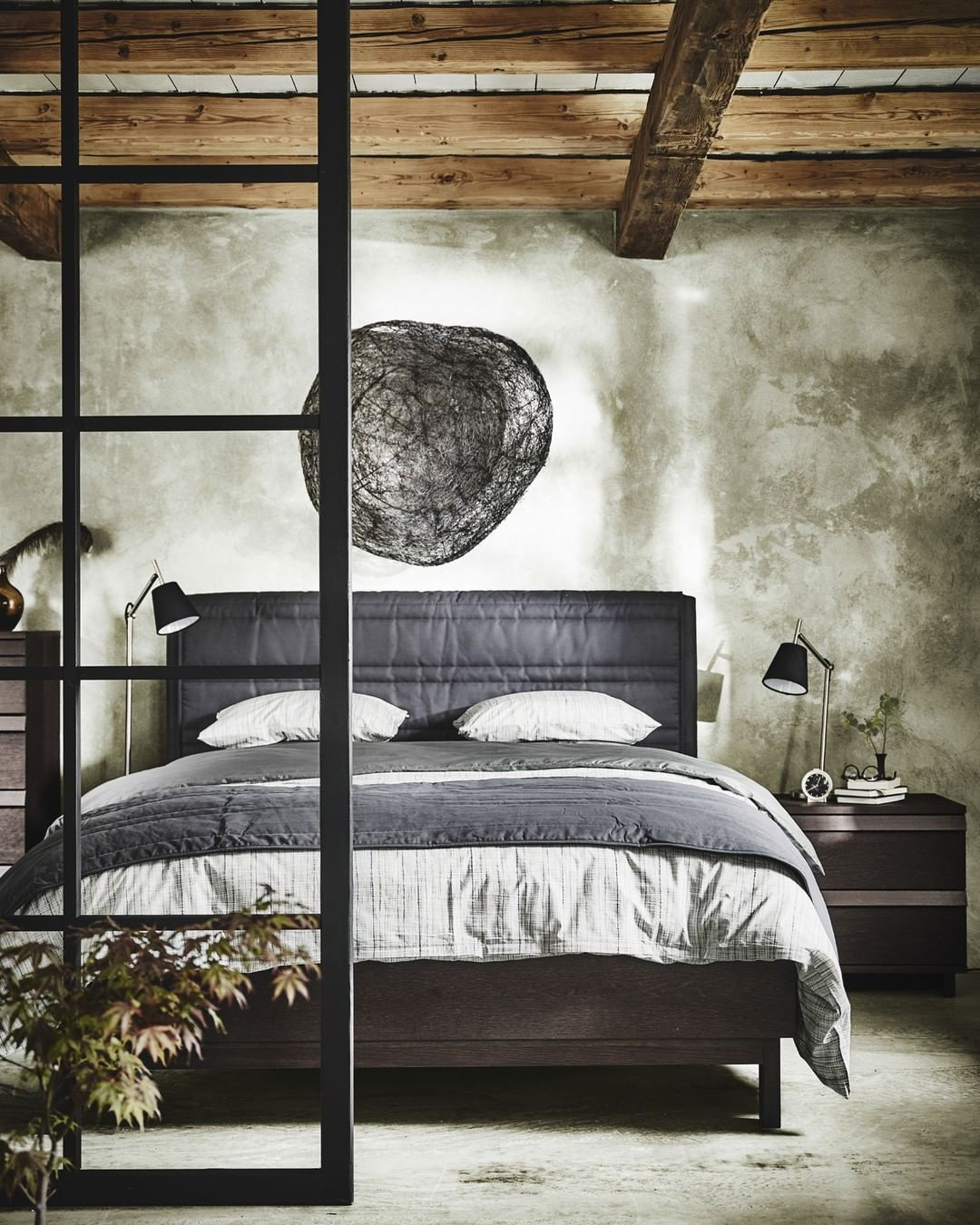 65 Amazing Small Bedroom Ideas To Create Space   The Sleek Look With Two  Different Style
