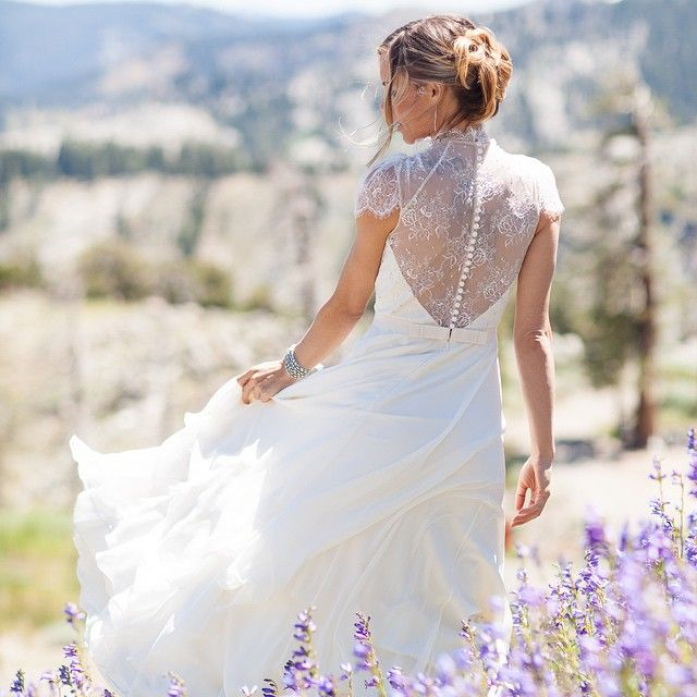 Our top 5 Real Weddings of 2015 are announced! Go to the blog today to see who made the list.   We loved this gorgeous #SquawValley Stables wedding from @larissaphoto & @ofdevents #tahoewedding #JennyPakham    #Regram via @tahoeunveiled