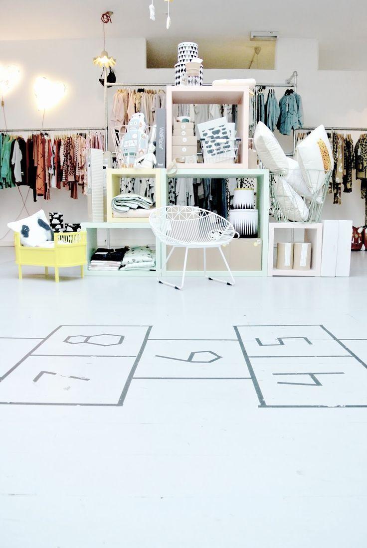 Exhibición tienda bebes | Ideas Decoración Bebés | Pinterest ...
