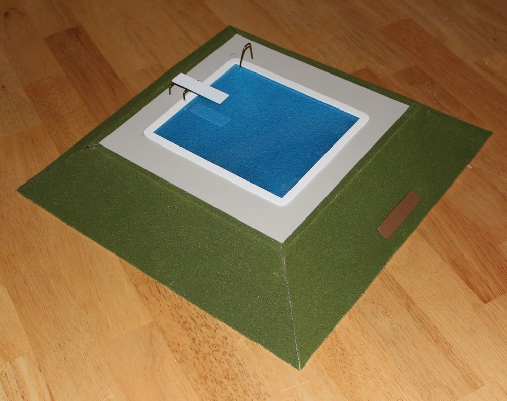 Model In Christmas Vacation.Griswold Pool Model Decor For Lampoon Christmas Costume