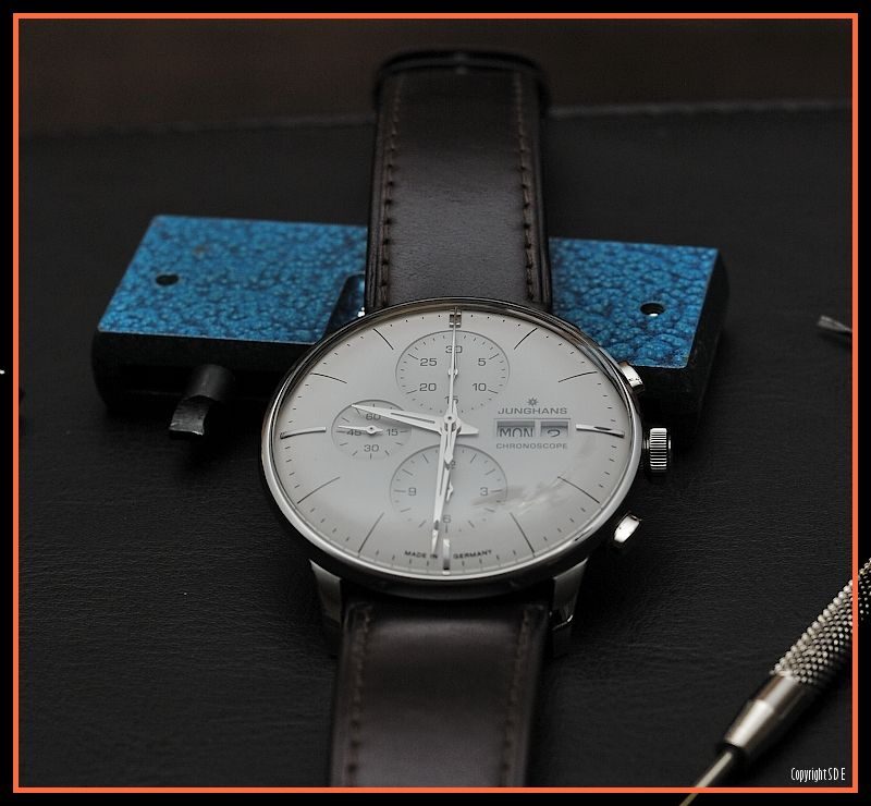 Found these on a foreign forum by a guy called Tarzom - Absolutely Stunning Junghans Meister Chronoscope photographs:  http://forum.chronomania.net/mix_entry.php?id=161817&PHPSESSID=7492c7822152703d2cec30ccfbc8df89#.VI3FJ1V1-uZ